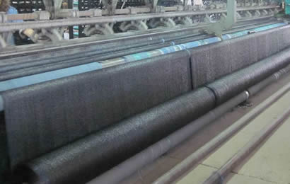 2 rolls agriculture shade net are producing in machine