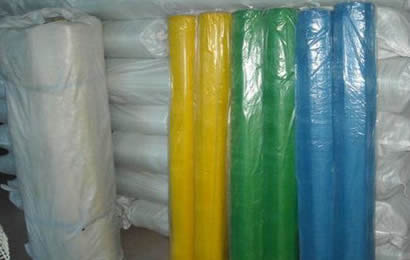 Many rolls different colors window screen net packed with plastic bags